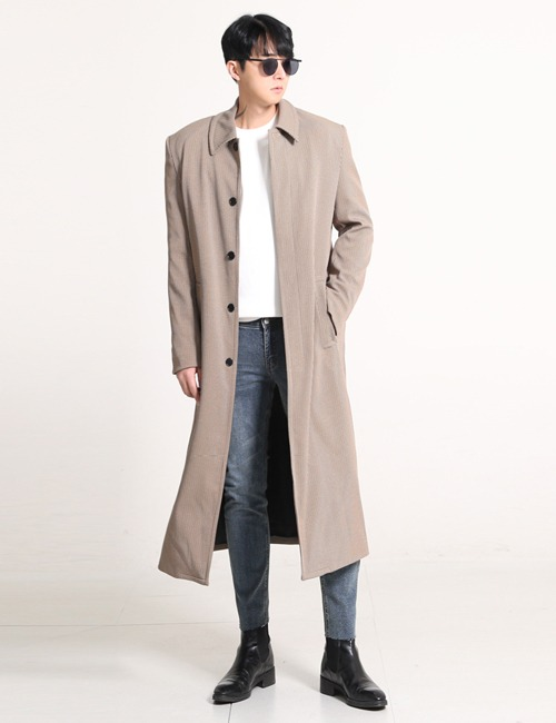 B. SINGLE BREASTED OVERSIZE WOOL BREND COAT